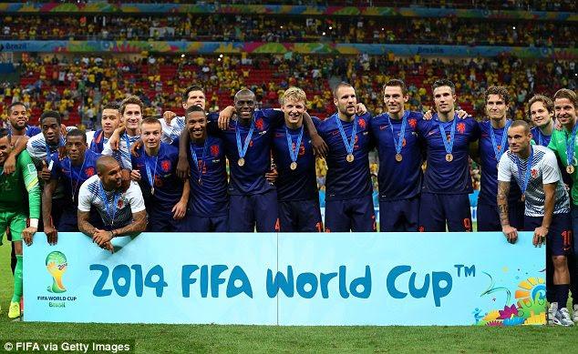REZUMAT VIDEO GOLURI 2014 Olanda Brazilia 3-0 Brazil vs Holland Netherlands 0-3 YOUTUBE finala mica CM Fotbal ALL GOALS HIGHLIGHTS