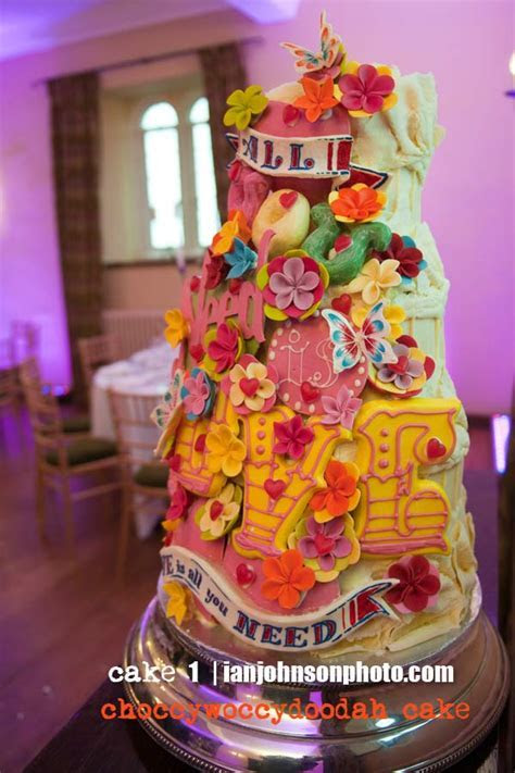 21 of the best wedding cakes in the world   Wedding