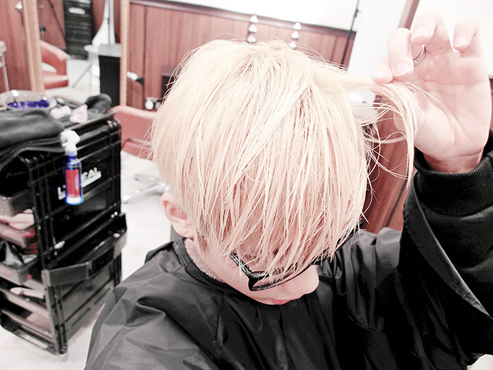 hair bleached typicalben