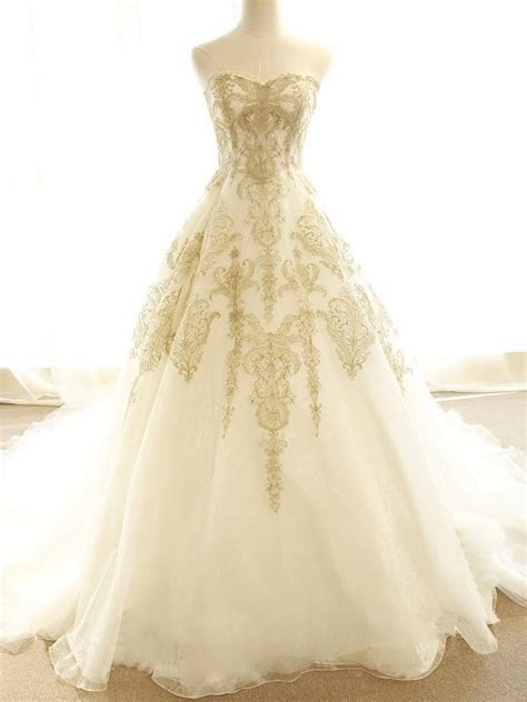 Chic Wedding Dresses Ivory Gold Appliques Sweep/Brush