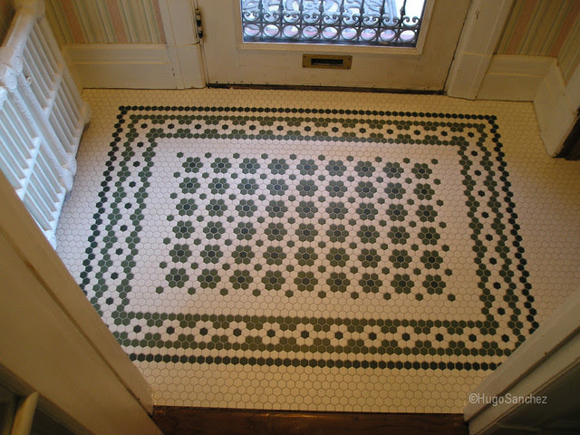 Entrance mosaic floor - Traditional - Entry - Montreal ...