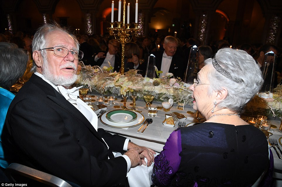Jacques Dubochet, laureado do Prêmio Nobel de Química e Princesa Christina da Suécia