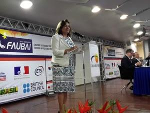 Reitora da UFMT, Maria Lucia Cavali Neder, também participou da abertura da Faubai (Foto: Amanda Sampaio/G1 MT)