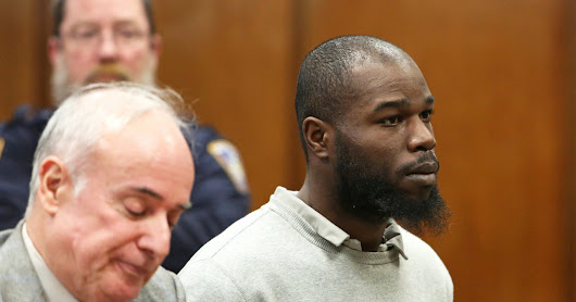 Man Who Pushed Passenger to His Death on Subway Tracks Is Acquitted - The New York Times