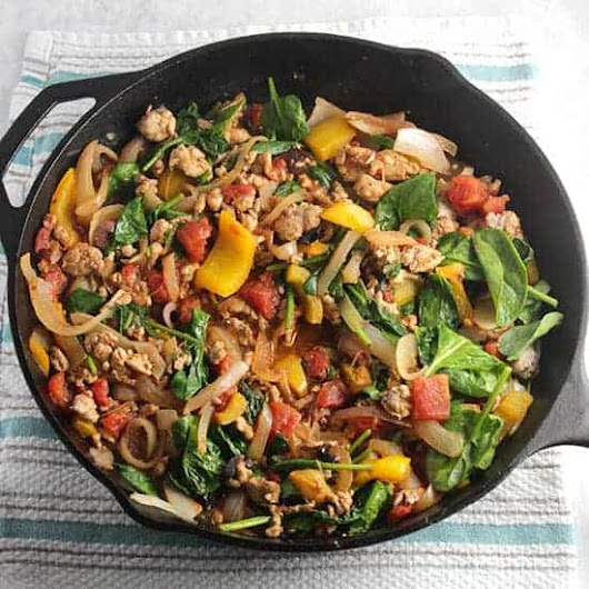 Greek Turkey Spinach Skillet #SundaySupper | Cooking Chat