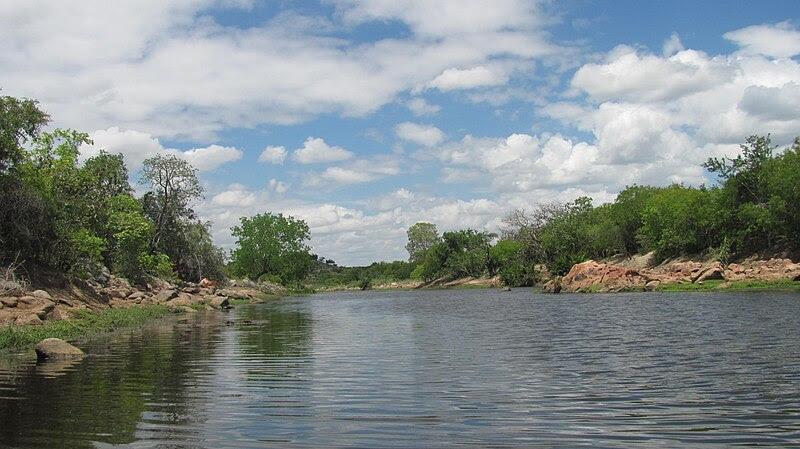Ficheiro:Rio da Roda (Povoado de Bela Vista.JPG