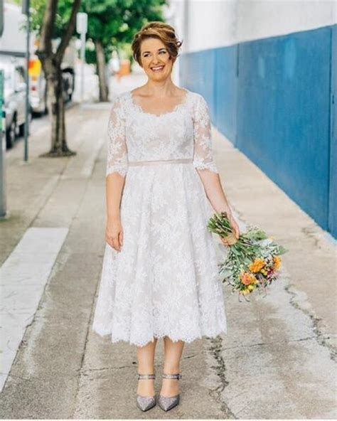 2017 Hot Selling Short Lace Plus Size Wedding Dress Half