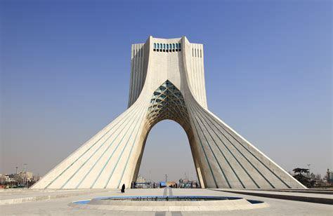 AD Classics: Azadi Tower / Hossein Amanat   ArchDaily