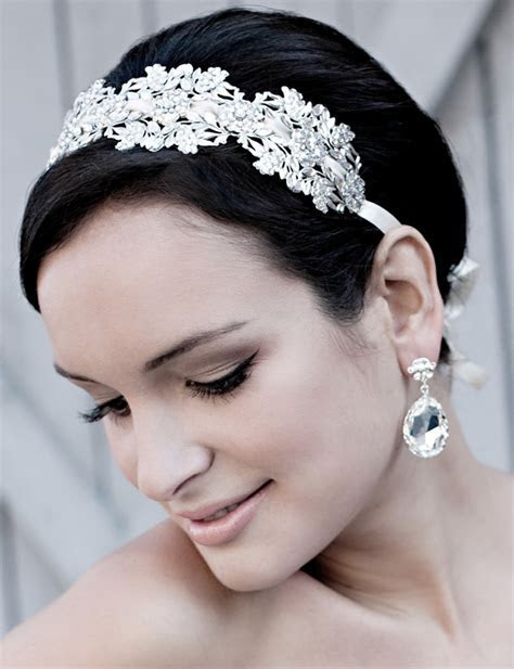 Best Wedding Accessories, Best Accessories for Pixie Short