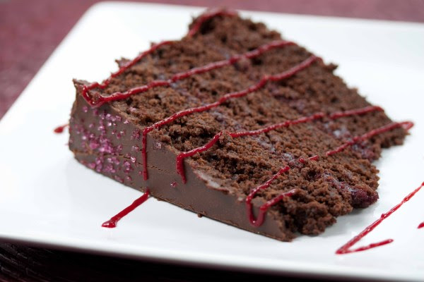 малиновый торт шоколадный