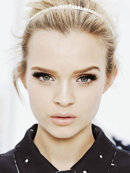 pretty make-up face