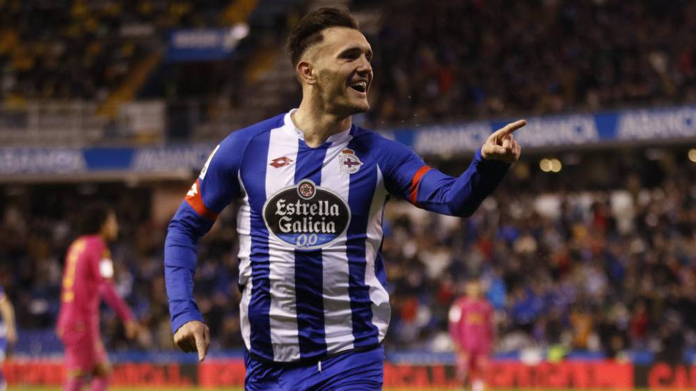 Depor's Lucas Pérez holding out for phone call from Barça?