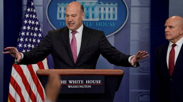 Donald Trump, Gary Cohn, Trump White House Economic Adviser quits, Gary Cohn resigns, Trump Adviser resigns, Trump economic adviser quits, Another Trump employee quits, World News, Indian Express