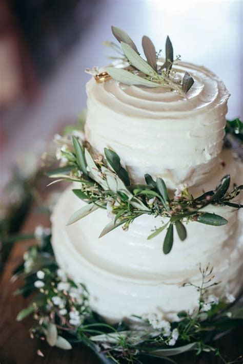 25  best ideas about Irish Wedding Cakes on Pinterest