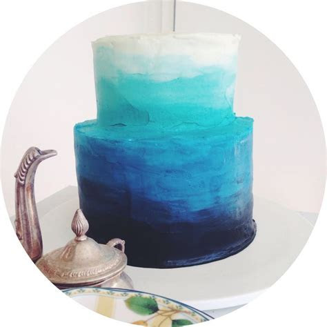 Blue Ombre cake: except reverse and have it blue to red