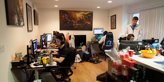 Here's what life is like in the cramped 'gaming house' where 5 guys live together and earn amazing money by playing video games