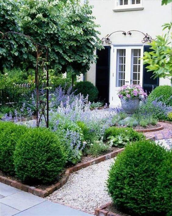 33 Small Front Garden Designs to Get the Best Out of Your ...