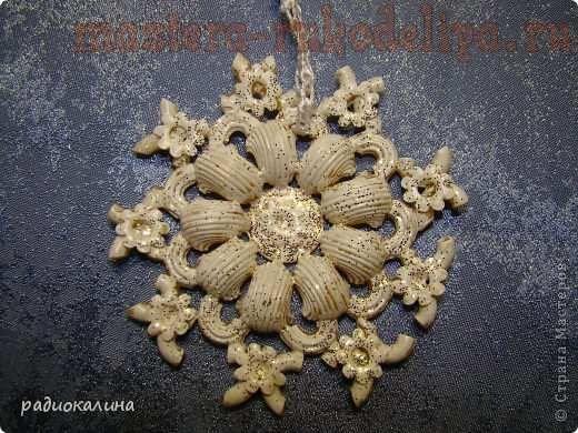 Мастер-класс по мозаике из макарон и круп: Снежинки-макаронки