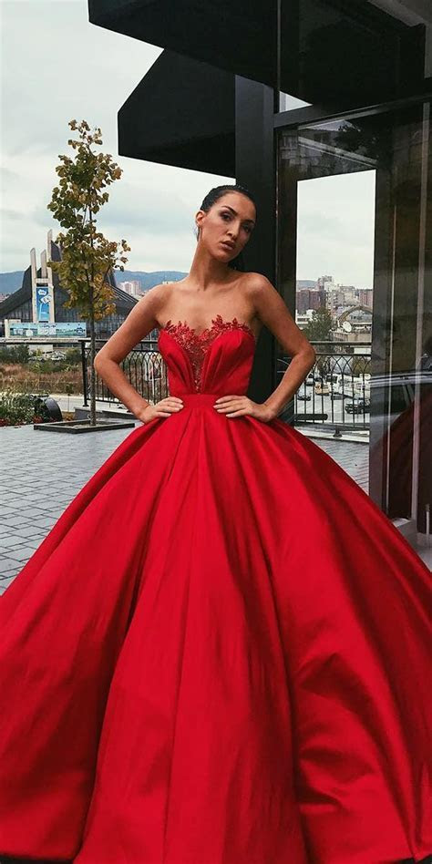 12 Amazing Blood Red Wedding Dresses   Wedding Dresses Guide