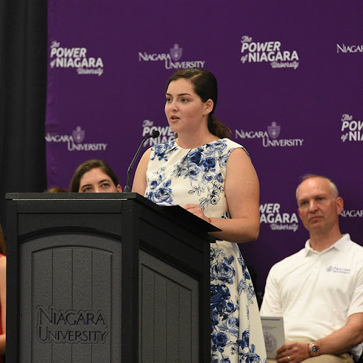 Incoming Niagara University Students Encouraged to 'Embrace Change'