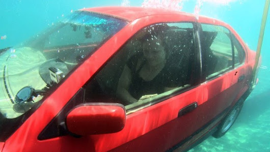 How to escape a submerging car