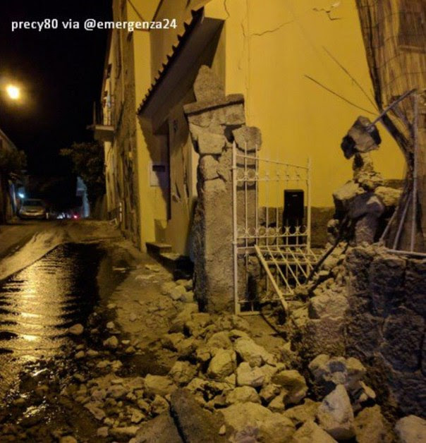 earthquake ischia, Earthquake strikes Ischia, Italy on August 21 2017, Earthquake strikes Ischia, Italy on August 21 2017 video, Earthquake strikes Ischia, Italy on August 21 2017 pictures