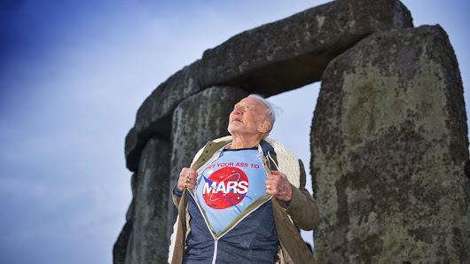 Buzz Aldrin took a cooler photo than you did at Stonehenge