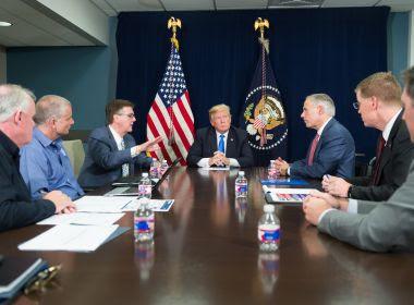 Aprovação do presidente Trump cai de 43% para 38%, diz pesquisa