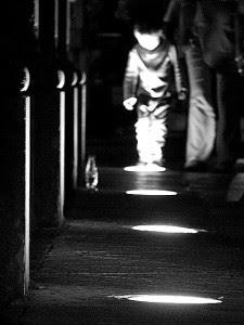 Las marimantas paseaban por las calles de noche. / Foto: denguecortos.blogspot.com