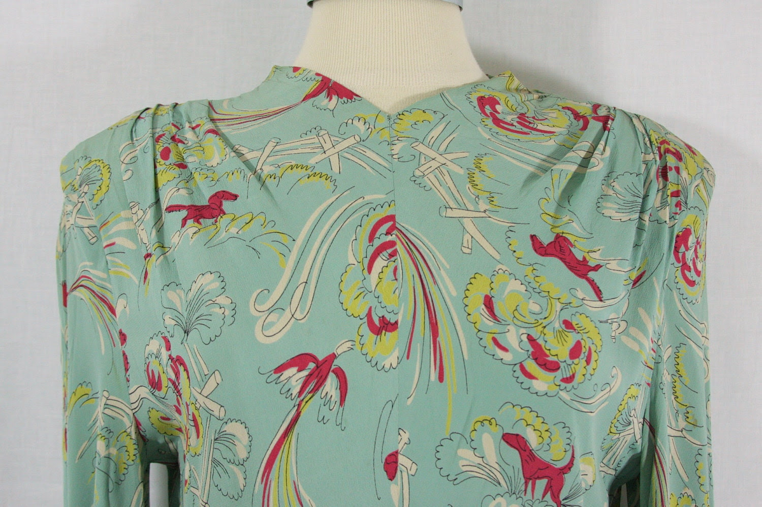 1940's Dress - Rayon and Crepe Novelty Print Dog and Bird Hunting Scene