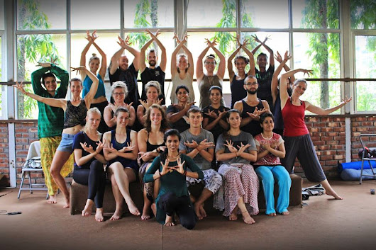 Best 200 Hour Yoga Teacher Training in Rishikesh, India | Yoga TTC