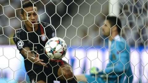 Thiago scores