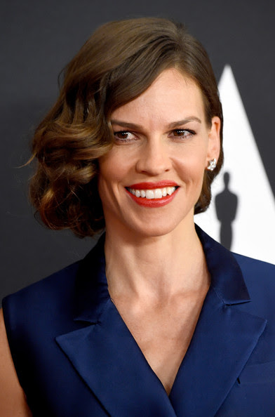 Hilary Swank's Faux Bob Side Sweep