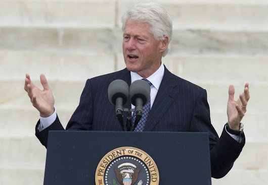 Clinton Honors King's Legacy At March On Washington Anniversary