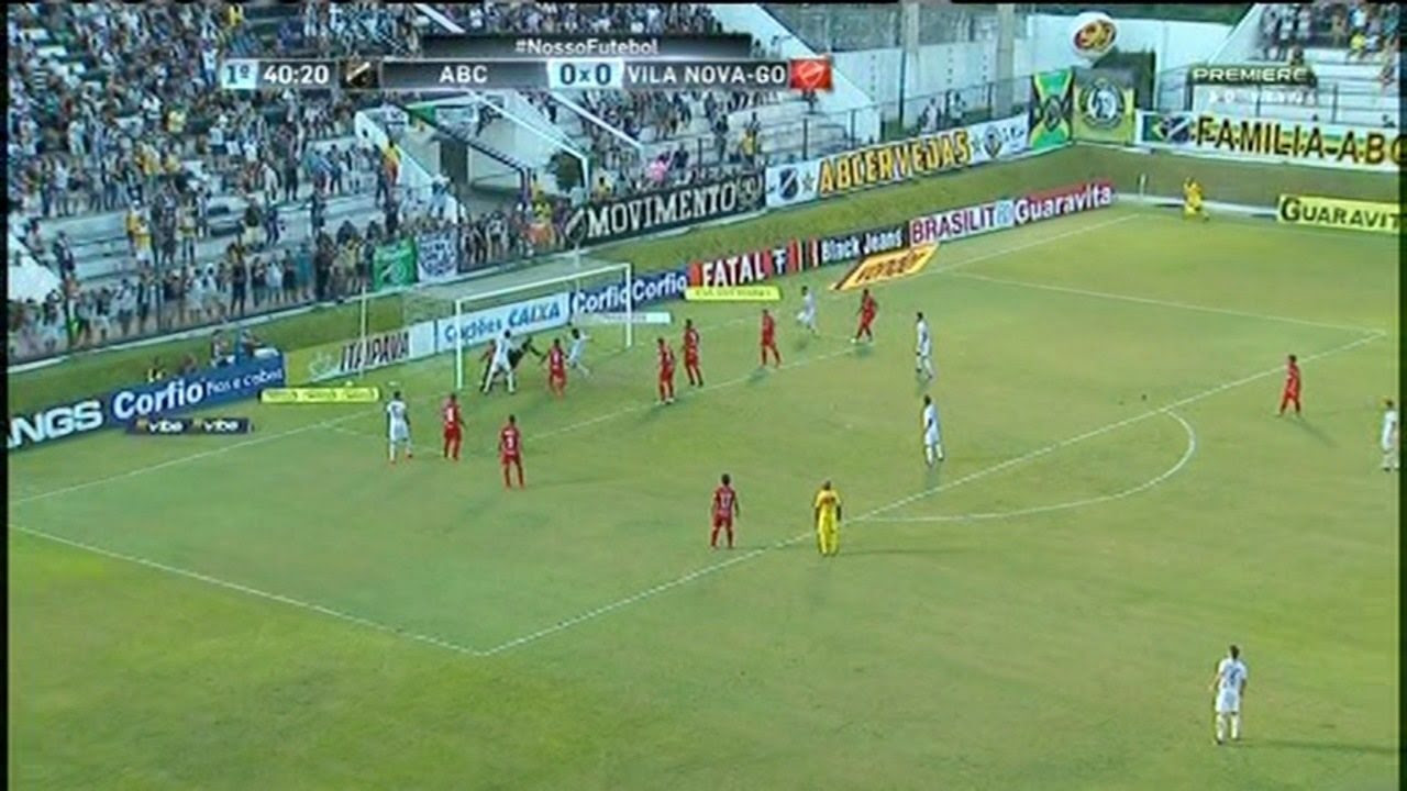 Nando aproveitou o bate rebate na pequena área do Vila Nova e marcou o gol da vitória do ABC, no Frasqueirão
