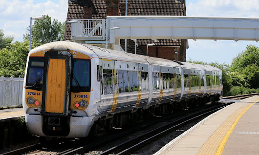 Wrong kind of sunlight delays Southeastern trains in London