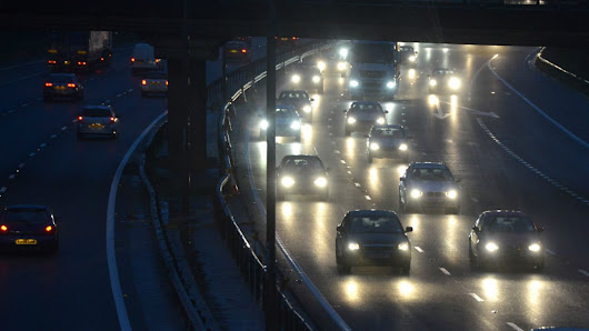 Here's how to stay safe when driving in the dark, In Short - BBC Radio 5 live