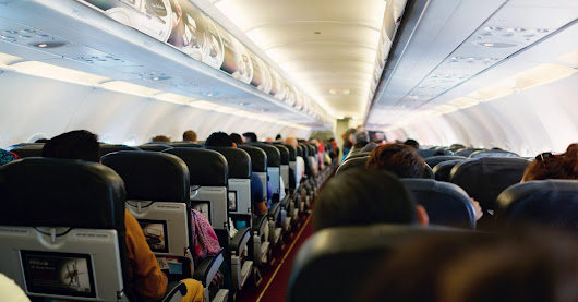 7 Expert Airplane Seat Hacks to Boost Comfort on Long Flights | SmarterTravel