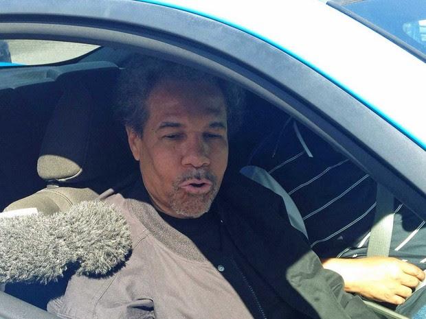 Albert Woodfox concede entrevista logo após ser solto (Foto: Bryn Stole / Reuters)