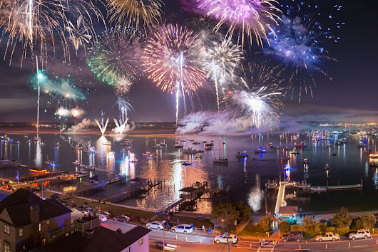 Flotilla, Fireworks, and Airlie Gardens Launch Carolina Holidays