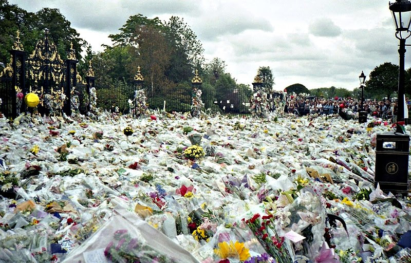 File:Flowers for Princess Diana's Funeral.jpg