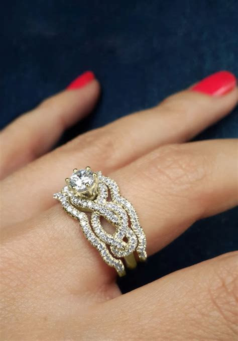 17 Best ideas about Royal Engagement Rings on Pinterest
