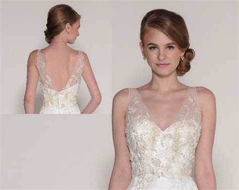 Detachable topper ( or underbodice).. Appliquéd lace on t