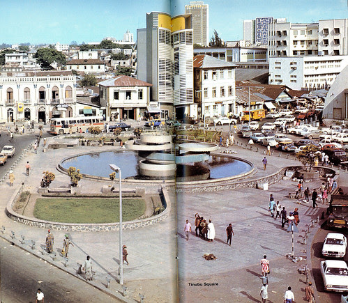 Guide to Lagos 1975 029 Tinubu square