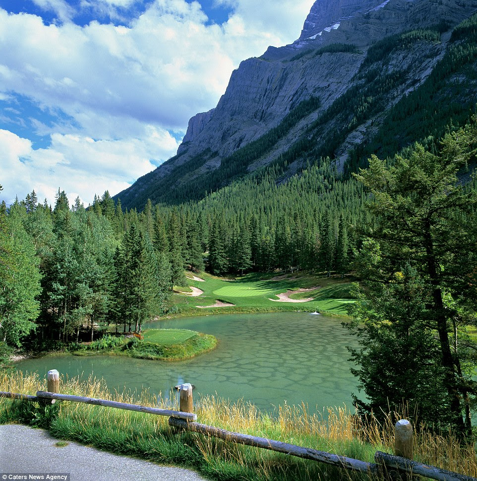 Photos Reveal The World's Most Beautiful Golf Courses