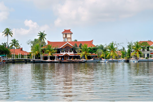 Alappuzha beach resort - backwater,Lake,Luxury and Budget resorts in Alleppey