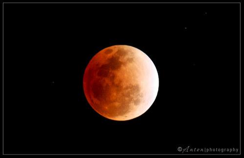 Lunar Eclipse by Anton Cruz
