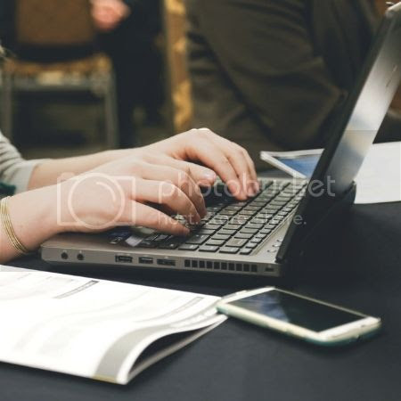 The Comparison Game: How to Combat Blogging Comparison