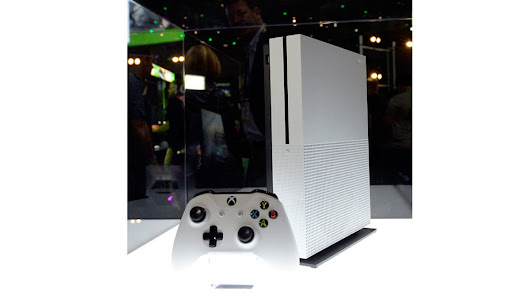Microsoft's new Xbox One S is slick, but unnecessary: review | Toronto Star
