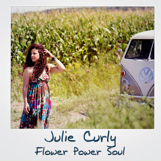 Singer/Songwriter Julie Curly Releases New EP